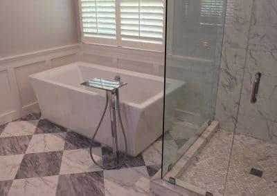 Contemporary Freestanding Tub