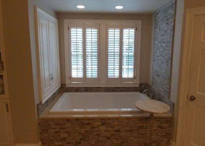 Travertine Tiles Tub Walls