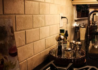 travertine subway backsplash